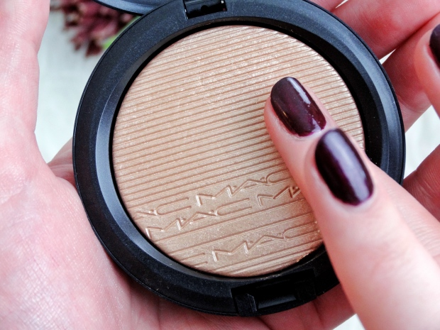 MAC Extra Dimension Skinfinish Oh, Darling!